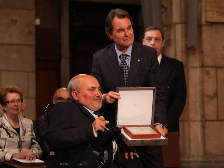 Entrega de la Creu de Sant Jordi a ECOM, por parte del Molt Honorable President de Catalunya Artur Mas i Gavarró